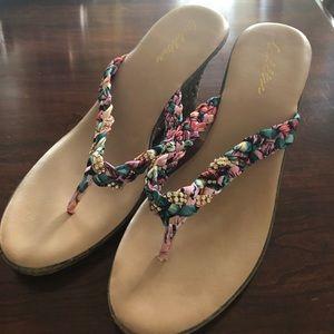 Women's size 10 Goldtoe sandals